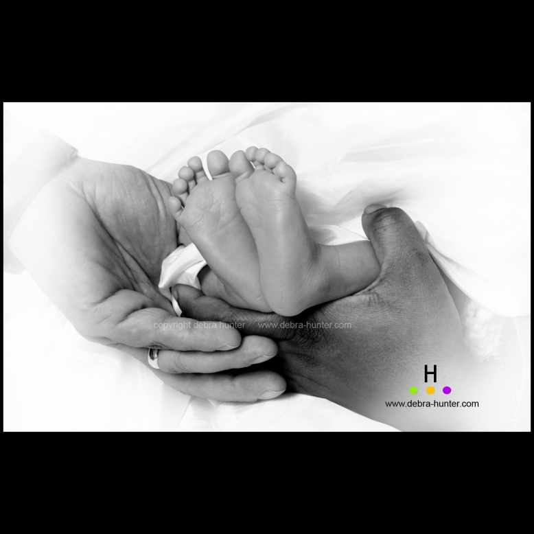 red deer newborn photography3864 vignette bw