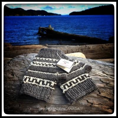 west coast inspired fingerless mitts